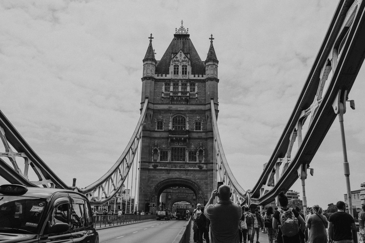 LONDYN ASYLUM CHAPEL & SEVEN SISTERS CLIFFS 27