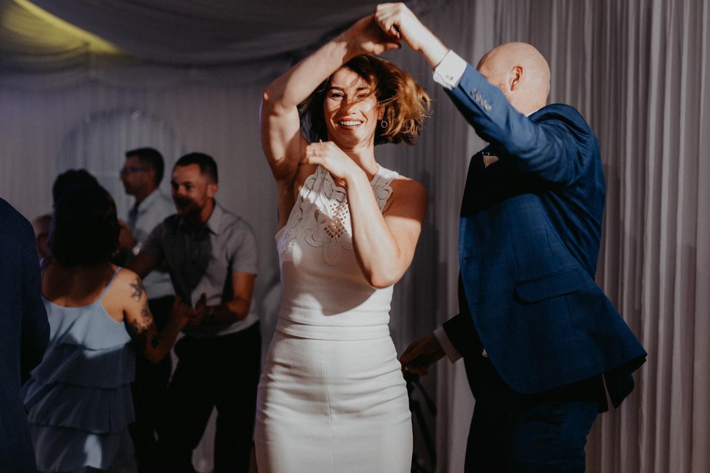 Piękny ślub plenerowy - Dwór Leśce 124